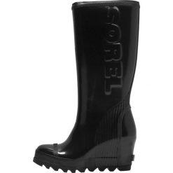 Sorel JOAN RAIN WEDGE TALL GLOSS Kalosze black sea salt. Czarne buty zimowe damskie Sorel, z gumy. W wyprzedaży za 374,50 zł.