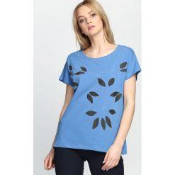 Niebieski T-shirt Daughters. Niebieskie bluzki damskie Born2be, m. Za 29,99 zł.