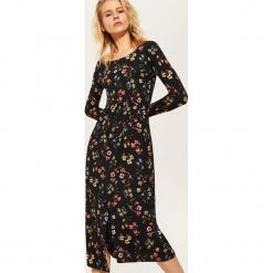 Długa sukienka w kwiaty - Wielobarwn. Brązowe długie sukienki House, l, w kwiaty, z długim rękawem. Za 89,99 zł.