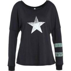 Free People TATE TRIBUTE TEE Tshirt z nadrukiem black. Czarne topy sportowe damskie Free People, xs, z nadrukiem, z bawełny, z długim rękawem. Za 269,00 zł.