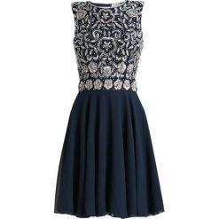Sukienki hiszpanki: Lace & Beads Petite MEMPHIS CLOSED BACK SKATER Sukienka koktajlowa navy