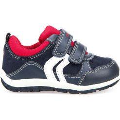 """Sneakersy """"Shaax"""" w kolorze granatowo-czerwonym. Niebieskie trampki chłopięce marki geox kids, z gumy. W wyprzedaży za 107,95 zł."""