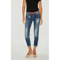 Answear - Jeansy. Niebieskie jeansy damskie rurki marki ANSWEAR, z bawełny. W wyprzedaży za 139,90 zł.