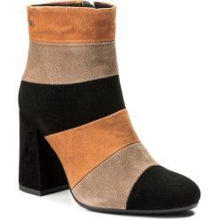 Botki MACCIONI - 565 Brązowy Czarny. Brązowe buty zimowe damskie Maccioni, z polaru, na obcasie. W wyprzedaży za 289,00 zł.