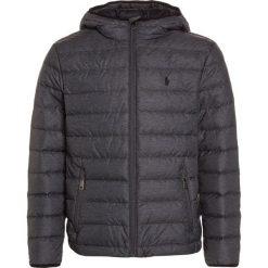 Polo Ralph Lauren PACKABLE OUTERWEAR Kurtka puchowa mechanic grey. Szare kurtki chłopięce Polo Ralph Lauren, na zimę, z materiału. W wyprzedaży za 455,20 zł.