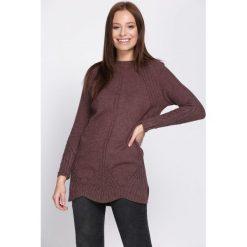 Brązowy Sweter Narrow-Minded. Brązowe swetry klasyczne damskie marki Born2be, l, z okrągłym kołnierzem. Za 34,99 zł.