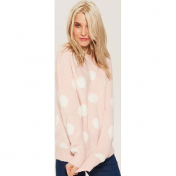 Sweter w grochy - Różowy. Czerwone swetry klasyczne damskie marki 100% Maille, s, ze splotem, z okrągłym kołnierzem. Za 89,99 zł.