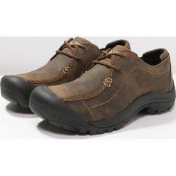 Keen PORTSMOUTH II Obuwie do biegania Turystyka dark earth. Brązowe buty do biegania męskie marki Keen, z gumy. Za 459,00 zł.
