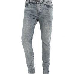 Topman Jeans Skinny Fit grey. Szare rurki męskie Topman. W wyprzedaży za 135,20 zł.