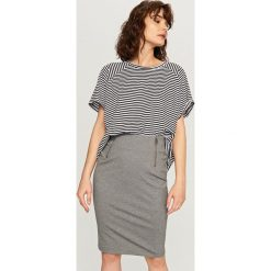 Spódniczki: Ołówkowa spódnica – Szary
