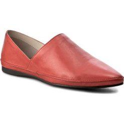 Półbuty VAGABOND - Antonia 4313-001-40 Red. Czerwone półbuty damskie skórzane marki Vagabond, na płaskiej podeszwie. W wyprzedaży za 269,00 zł.
