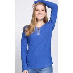 Niebieski Sweter Lust. Niebieskie swetry klasyczne damskie Born2be, l, z okrągłym kołnierzem. Za 74,99 zł.