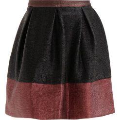 Minispódniczki: See u Soon COLOUR BLOCK SKIRT Spódnica trapezowa black/wine