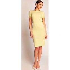 Żółta Elegancka Sukienka przed Kolano z Dekoltem Typu Woda na Plecach. Żółte sukienki balowe marki Mohito, l, z dzianiny. W wyprzedaży za 81,83 zł.
