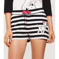 Piżamowe szorty Disney - Wielobarwn. Czarne piżamy damskie marki Reserved, l. Za 25,99 zł.