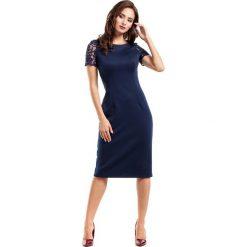Sukienki: Granatowa Sukienka Wieczorowa Ołówkowa Midi z Koronką