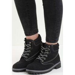 Czarno-Szare Traperki Riverdale. Czerwone buty zimowe damskie marki Reserved, na niskim obcasie. Za 89,99 zł.