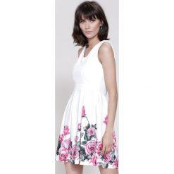Sukienki: Biało-Fuksjowa Sukienka Cascade
