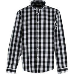 Czarna Koszula Invisible. Czarne koszule męskie na spinki marki Born2be, l, z aplikacjami, z dresówki. Za 39,99 zł.