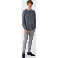 Sweter w wypukłe paski. Zielone swetry klasyczne męskie Pull&Bear, m, w paski. Za 69,90 zł.
