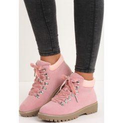 Różowe Traperki Bad Romance. Czerwone buty zimowe damskie Born2be, z weluru, na niskim obcasie. Za 79,99 zł.