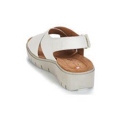 Sandały Clarks  UN KARELY HAIL. Białe sandały trekkingowe damskie Clarks. Za 383,20 zł.