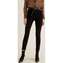 Mango - Jeansy Noa. Czarne jeansy damskie rurki marki Mango, z bawełny, z podwyższonym stanem. Za 119,90 zł.