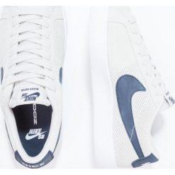 Nike SB BLAZER VAPOR Tenisówki i Trampki summit white/obsidian. Białe tenisówki męskie Nike SB, z materiału. W wyprzedaży za 303,20 zł.