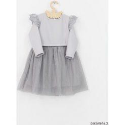 Sukienka szara z koronka i tiulem. Szare sukienki dziewczęce z falbanami Pakamera, z haftami, z koronki. Za 129,00 zł.
