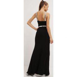 Mascara Długa sukienka black. Czarne długie sukienki marki Mascara, z materiału, z długim rękawem. W wyprzedaży za 839,20 zł.