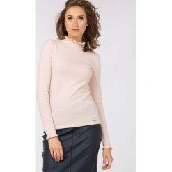 Swetry klasyczne damskie: Romantyczny sweter z półgolfem
