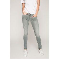 Tommy Jeans - Jeansy Nora. Niebieskie jeansy damskie marki House, z jeansu. W wyprzedaży za 299,90 zł.