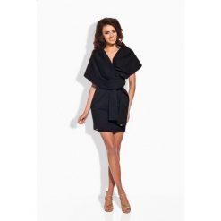 Sukienki hiszpanki: Seksowna sukienka z oryginalnym dekoltem czarna