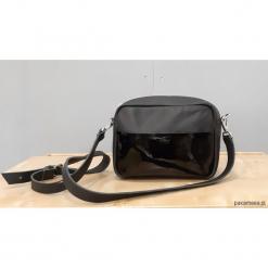 Mała czarna torebka z kieszonką. Czarne torebki klasyczne damskie marki Pakamera, ze skóry, małe. Za 199,00 zł.