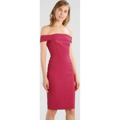 Karen Millen BONED BARDOT DRESS Sukienka etui pink. Czerwone sukienki marki Karen Millen, z materiału. W wyprzedaży za 474,50 zł.