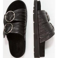 Chodaki damskie: AllSaints ZURI Klapki black