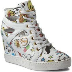 Sneakersy CARINII - B3909 J97-G34-000-B88. Białe sneakersy damskie Carinii, z materiału. W wyprzedaży za 279,00 zł.