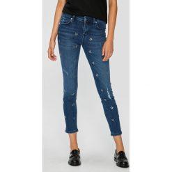 Silvian Heach - Jeansy. Niebieskie jeansy damskie rurki marki Silvian Heach, z bawełny, z standardowym stanem. W wyprzedaży za 469,90 zł.