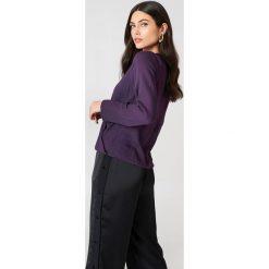 Bluzki asymetryczne: NA-KD Bluzka z wiązaniem kopertowym z przodu - Purple
