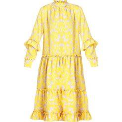 NORR ANASTACIA DRESS Sukienka letnia yellow. Żółte sukienki letnie NORR, m, z materiału. Za 579,00 zł.