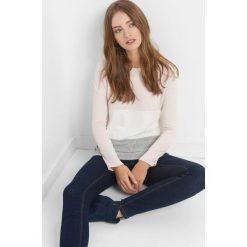Lekki sweter w pasy. Czarne swetry klasyczne damskie marki Orsay, xs, z bawełny, z dekoltem na plecach. Za 49,99 zł.