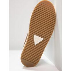 HUB DANCE MID PRM  Botki brown/ off withe. Brązowe buty zimowe damskie HUB, z materiału. W wyprzedaży za 411,75 zł.