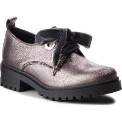 Oxfordy TOMMY JEANS - Metallic Cleated Sho EN0EN00378 Steel Grey 039. Szare jazzówki damskie marki Tommy Jeans, z jeansu, eleganckie, na obcasie. W wyprzedaży za 379,00 zł.