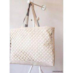 Shopper Ażurowa. Szare shopper bag damskie Pakamera, w ażurowe wzory, z bawełny. Za 239,00 zł.