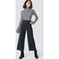 Spodnie damskie: NA-KD Szerokie spodnie z denimu - Grey