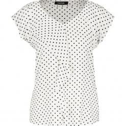 Koszulka w kolorze białym. Białe t-shirty damskie marki Taifun, w kropki. W wyprzedaży za 86,95 zł.
