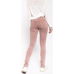 Medicine - Jeansy Nocturne. Szare jeansy damskie MEDICINE, z podwyższonym stanem. W wyprzedaży za 59,90 zł.