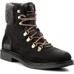 Botki GANT - Ashley 15544122  Black G00. Czarne buty zimowe damskie GANT, z materiału, na obcasie. W wyprzedaży za 409,00 zł.