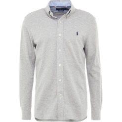 Polo Ralph Lauren FEATHERWEIGHT  Koszula andover heather. Szare koszule męskie marki Polo Ralph Lauren, l, z bawełny, button down, z długim rękawem. Za 459,00 zł.