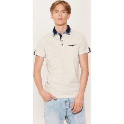 Koszulka polo z kontrastowymi detalami - Kremowy. Białe koszulki polo marki House, l. W wyprzedaży za 29,99 zł.